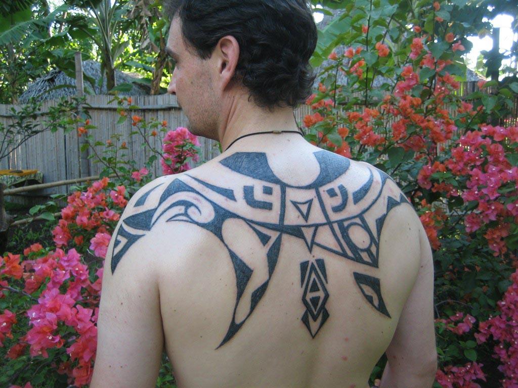 Tahitian Tattoo Artist on Moorea, French Polynesia